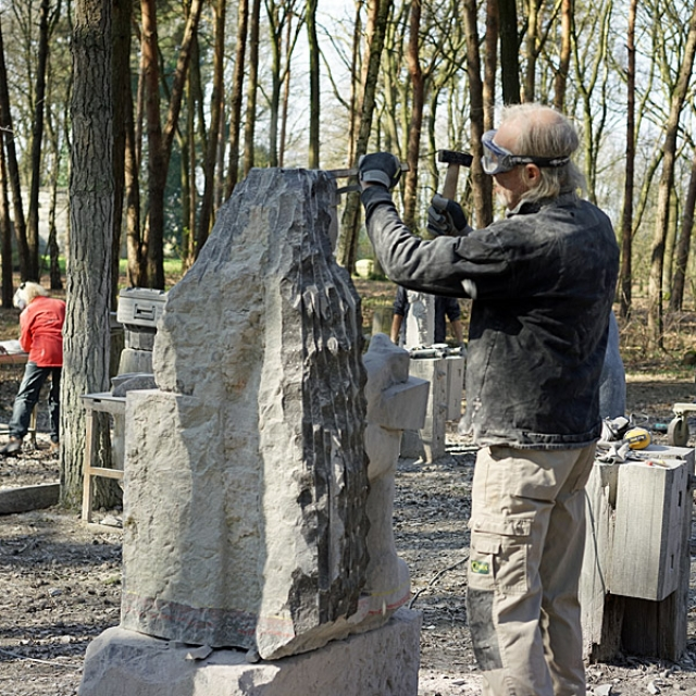 Spiksplinternieuw Machinaal beeldhouwen, het mechanisch bewerken van steen II-81